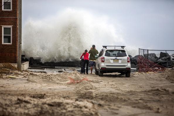 Jessica Kourkounis「Converging Storms Batter New Jersey Coast」:写真・画像(11)[壁紙.com]