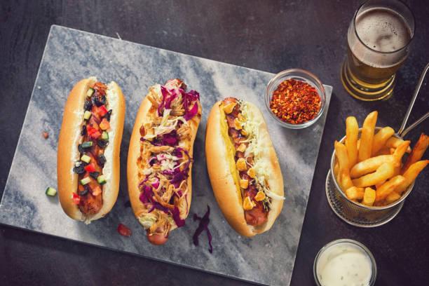 Freshly Grilled Hot Dogs:スマホ壁紙(壁紙.com)