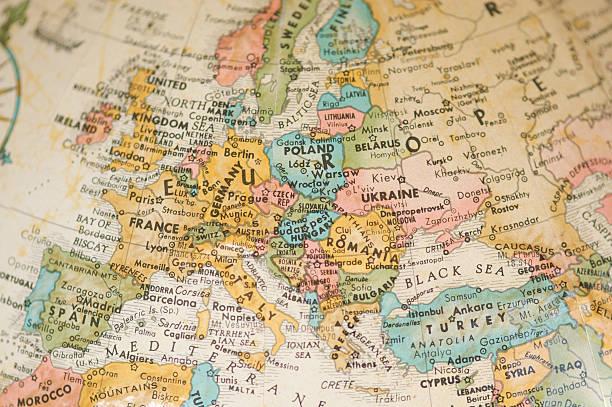 Antique Vintage Map of Europe Selective Focus Sepia:スマホ壁紙(壁紙.com)