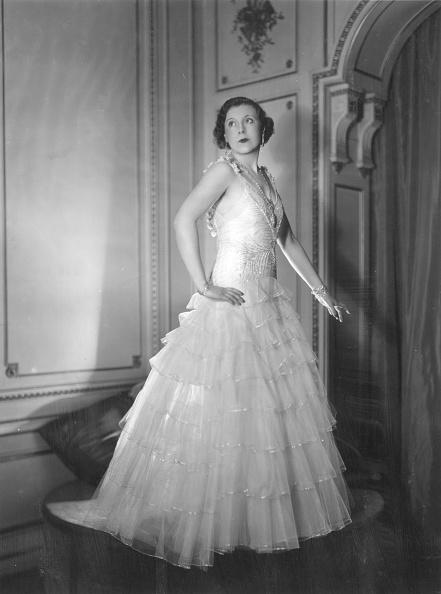 Evening Gown「Cartland In Dress」:写真・画像(11)[壁紙.com]