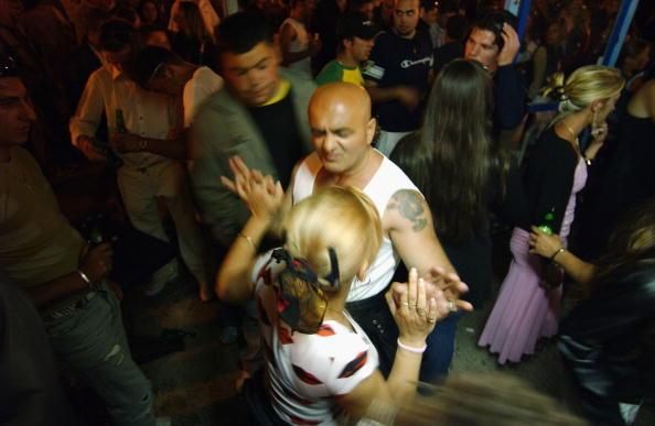 Camargue「Gypsies Celebrate The Procession To the Sea」:写真・画像(19)[壁紙.com]