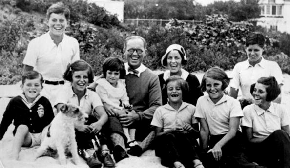 Large Group Of People「The Kennedy clan...」:写真・画像(11)[壁紙.com]