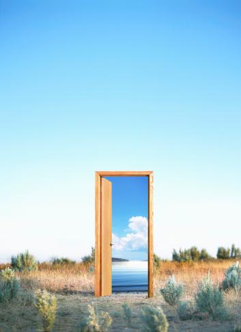 デジタル合成「Doorway in desert, opening to water」:スマホ壁紙(1)