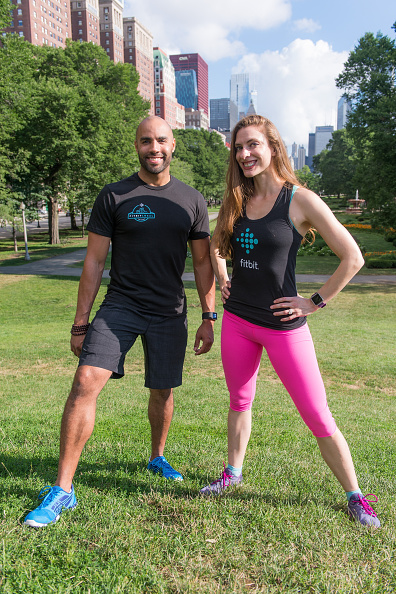 Wearable Computer「Launch Of Fitbit Local Free Community Workouts In Chicago In Grant Park」:写真・画像(16)[壁紙.com]