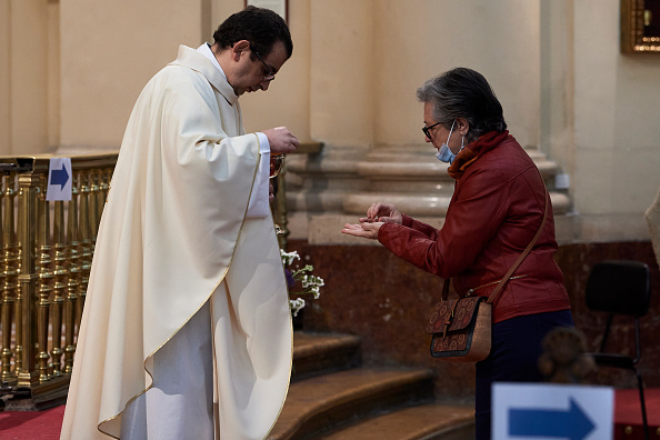 Religious Mass「Spain's Approach To Easing Lockdown Varies By Region」:写真・画像(6)[壁紙.com]