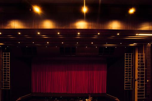 アート「劇場のステージ」:スマホ壁紙(8)