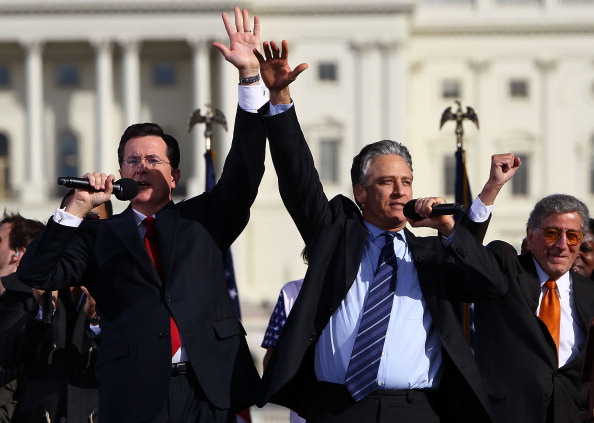 Restoring「Jon Stewart And Stephen Colbert Hold Rally On National Mall」:写真・画像(19)[壁紙.com]