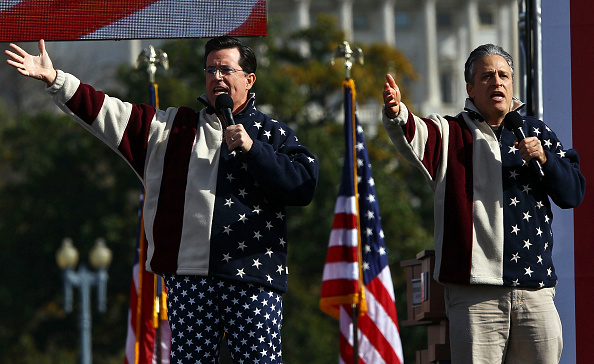 Restoring「Jon Stewart And Stephen Colbert Hold Rally On National Mall」:写真・画像(3)[壁紙.com]
