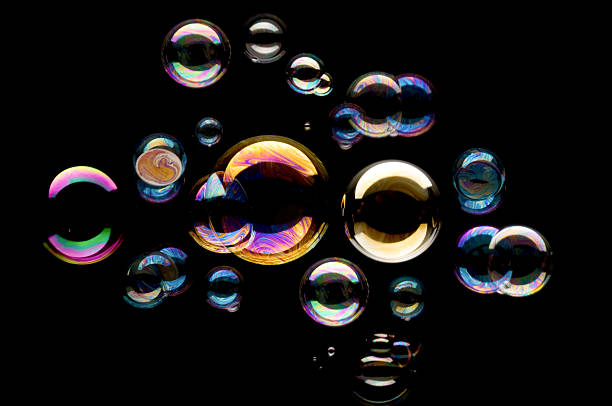 Bubbles against black background :スマホ壁紙(壁紙.com)