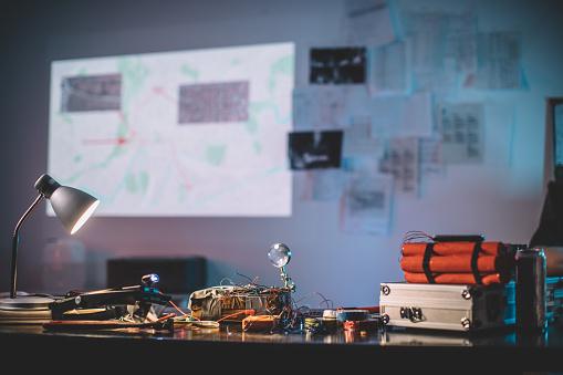 Desk Lamp「Bombs on table in terrorist workshop」:スマホ壁紙(7)