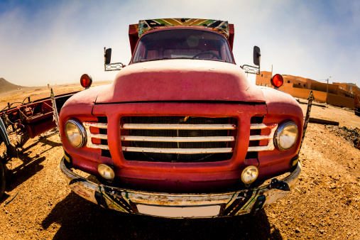 Restoring「Red Truck in Desert」:スマホ壁紙(11)