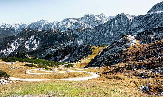 Dirt Road「Winding alpine road to valley - Bavarian alps」:スマホ壁紙(14)