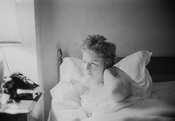 Bedroom「Lady Cecilia in bed」:写真・画像(3)[壁紙.com]