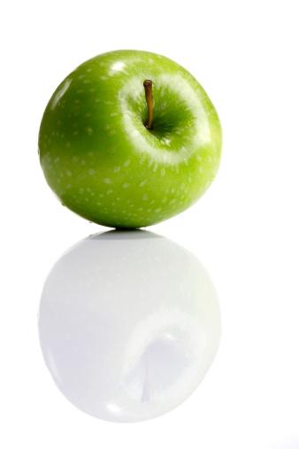 Apple「Green apple, close-up」:スマホ壁紙(12)