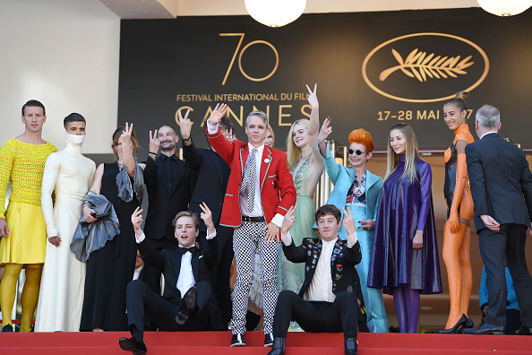 "John Cameron Mitchell「""How To Talk To Girls At Parties"" Red Carpet Arrivals - The 70th Annual Cannes Film Festival」:写真・画像(6)[壁紙.com]"
