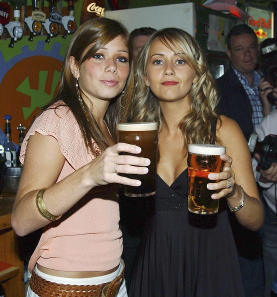 Crockery「Coronation Street Actors Enjoy A Night Out In Drogheda」:写真・画像(6)[壁紙.com]