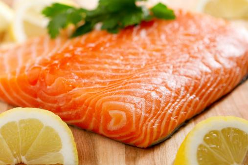 魚「新鮮なサーモン」:スマホ壁紙(17)