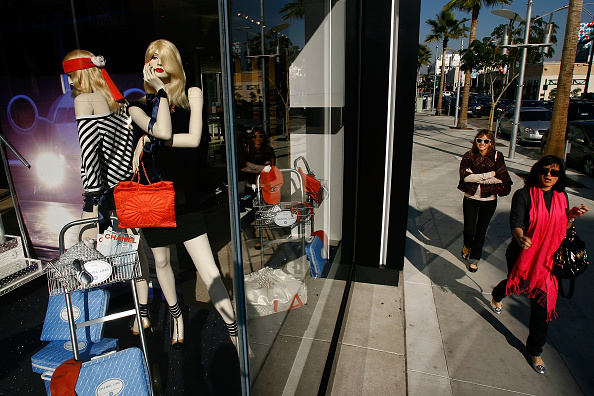 Chain - Object「Luxury Chain Stores Feel Effects Of Poor Holiday Shopping Season」:写真・画像(9)[壁紙.com]