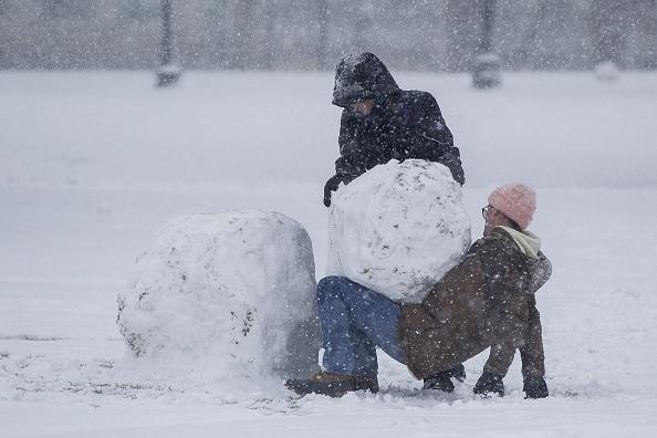 雪だるま「Major Blizzard Hammers East Coast With High Winds And Heavy Snow」:写真・画像(17)[壁紙.com]