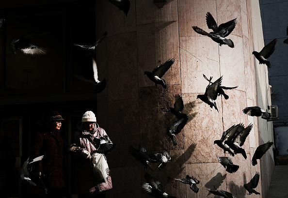 Two People「A Glimpse Into Life In Russia Today」:写真・画像(2)[壁紙.com]