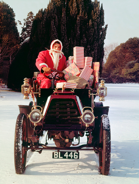 Celebration Event「1901 Durkopp With Santa Claus Delivering Christmas Gifts. Creator: Unknown.」:写真・画像(14)[壁紙.com]