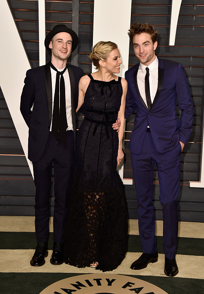 Robert Pattinson「2015 Vanity Fair Oscar Party Hosted By Graydon Carter - Arrivals」:写真・画像(1)[壁紙.com]