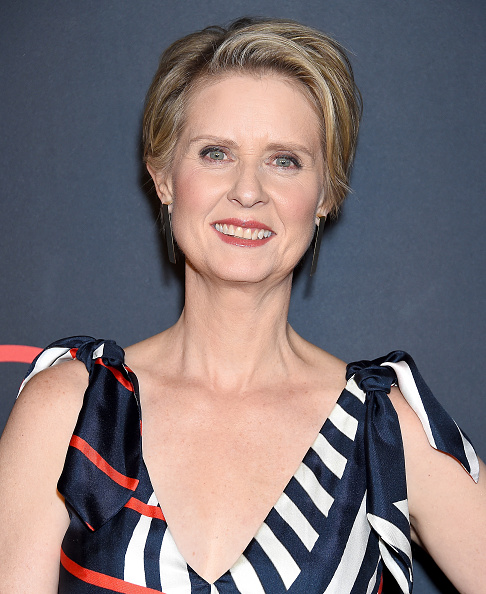 Cynthia Nixon「Out Magazine's OUT100 Awards Celebration Presented By Lexus - Arrivals」:写真・画像(10)[壁紙.com]