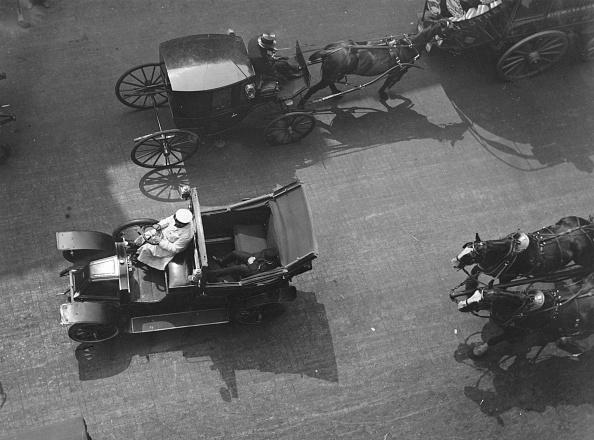 Unusual Angle「Taxicabs」:写真・画像(7)[壁紙.com]