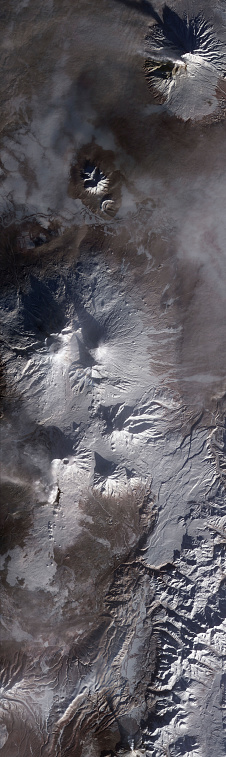 カルデラ「Satellite view of Russias Kamchatka Peninsula.」:スマホ壁紙(14)