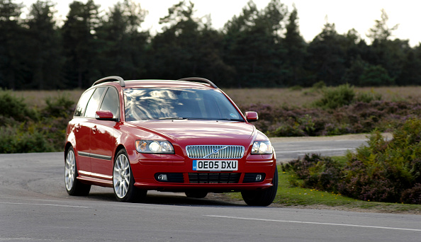 Finance and Economy「2005 Volvo V50 T5」:写真・画像(18)[壁紙.com]