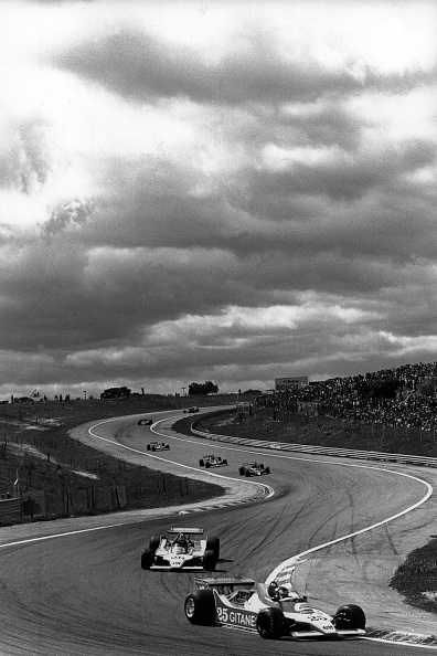 自動車「Depailler, Laffite, Grand Prix of Spain」:写真・画像(12)[壁紙.com]