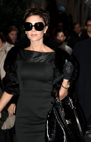 Purse「Victoria Beckham Sightings In Milan」:写真・画像(16)[壁紙.com]