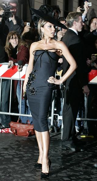 黒「Tom Cruise And Katie Holmes - Wedding Day」:写真・画像(8)[壁紙.com]