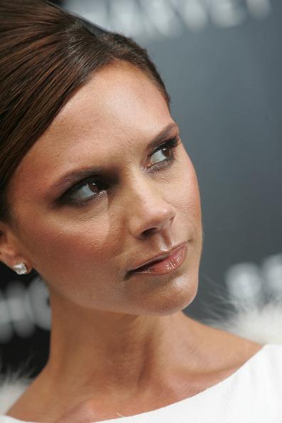 Eyeliner「Victoria Beckham Launches New Fragrance At Harvey Nichols」:写真・画像(7)[壁紙.com]