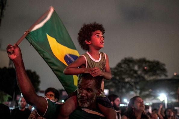 Women's Soccer「Protestors Rally Against Brazilian Presidential Candidate Jair Bolsonaro」:写真・画像(17)[壁紙.com]