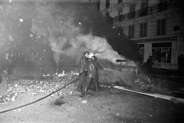Reg Lancaster「French Riots」:写真・画像(19)[壁紙.com]