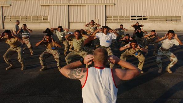 Side By Side「British Army Black Watch Train Iraqi National Guards」:写真・画像(16)[壁紙.com]