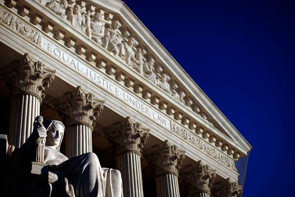 Law「Exterior Views Of The Supreme Court」:写真・画像(2)[壁紙.com]