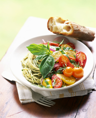 Pine Nut「Spaghetti with basil pesto and cherry tomatoes」:スマホ壁紙(8)
