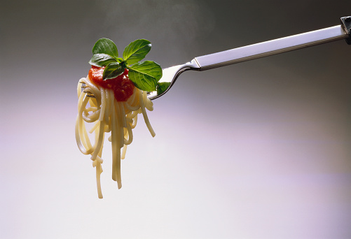 Fork「Spaghetti with Tomato Sauce on Fork」:スマホ壁紙(9)