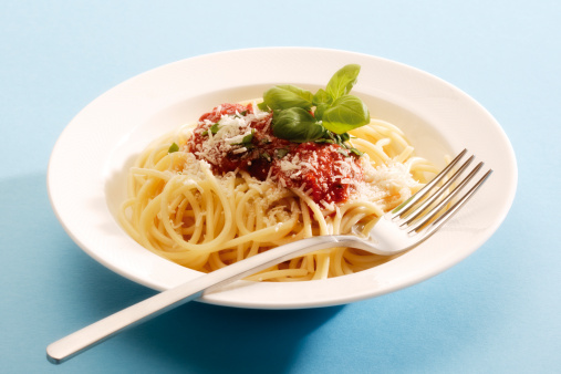 Fork「Spaghetti with tomato sauce, close-up」:スマホ壁紙(14)