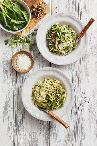 Letter S「Spaghetti with vegetables, spinach and parmesan」:スマホ壁紙(17)