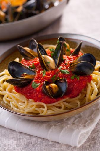 イタリア料理「スパゲティ、ムール貝」:スマホ壁紙(19)