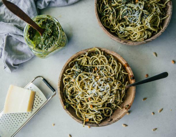 Spaghetti with pesto genovese:スマホ壁紙(壁紙.com)