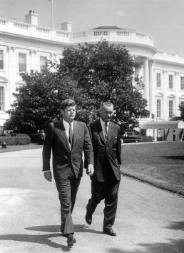 John F「John F. Kennedy and Lyndon B. Johnson」:写真・画像(8)[壁紙.com]