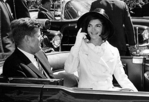 Jacqueline Kennedy「John and Jackie Kennedy in Washington Parade」:写真・画像(13)[壁紙.com]