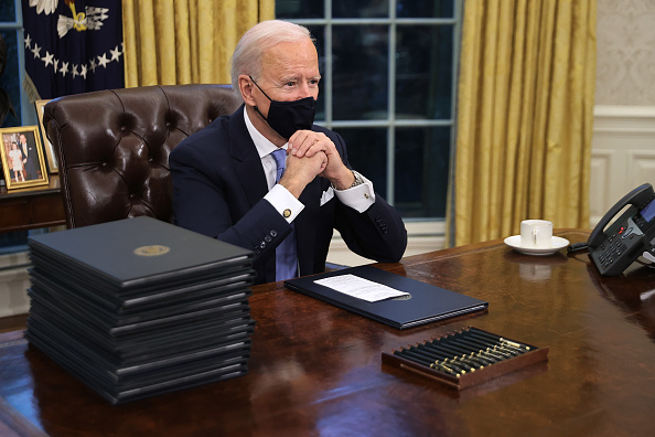Executive Order「Joe Biden Marks His Inauguration With Full Day Of Events」:写真・画像(5)[壁紙.com]
