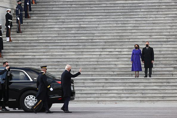 Arlington - Virginia「Joe Biden Sworn In As 46th President Of The United States At U.S. Capitol Inauguration Ceremony」:写真・画像(19)[壁紙.com]