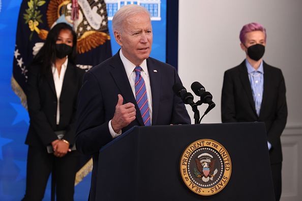 Women's Soccer「President Biden Holds White House Event To Mark Equal Pay Day」:写真・画像(7)[壁紙.com]