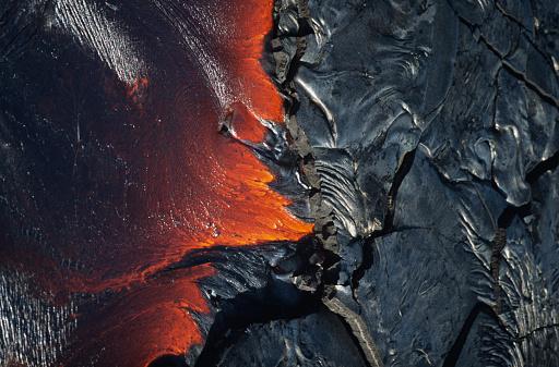 Lava「Flowing molten lava, Hawaii, HI, USA」:スマホ壁紙(19)